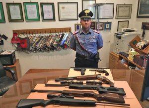 Civitavecchia - L'arsenale di armi sequestrate dai carabinieri al 48enne