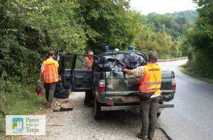 I sacchi di rifiuti raccolti nel parco del Treja