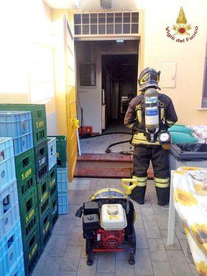 Santa Marinella - L'intervento dei vigili del fuoco nel ristorante
