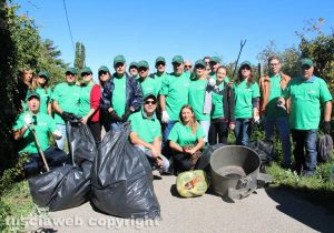Viterbo - La Cisl ripulisce il parco dell'Arcionello