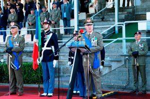 Il cambio al vertice della scuola sottufficiali dell'esercito tra il generale De Col e il generale Addis