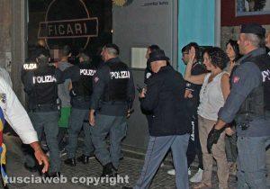 Viterbo - Santa Rosa - Il trasporto di Gloria - Un intervento della polizia