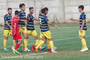 Sport - Calcio - Viterbese - L'esultanza dei gialloblù