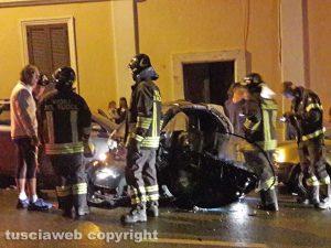 Montefiascone - Scontro tra una minicar e un'auto, una ragazza ferita