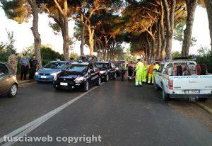 Bomba all'aeroporto - Evacuazione - L'ingresso della scBomba all'aeroporto - Evacuazione - L'ingresso della scuola marescialli