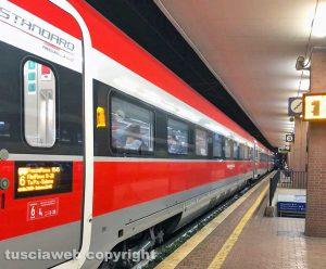Treno Frecciarossa fermo alla stazione di Orte