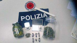 Viterbo - La droga sequestrata dagli agenti della mobile
