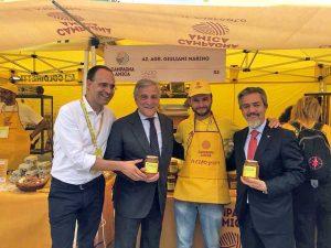 Roma - Battistoni e Tajani al villaggio Coldiretti