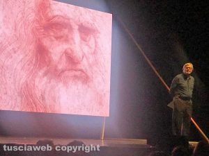 Roma -Teatro Olimpico - Vittorio Sgarbi in scena con Leonardo