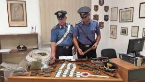 Civitavecchia - Carabinieri - Le armi e la droga sequestrati