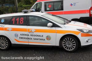 Un'auto medica del 118