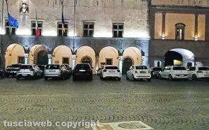 Viterbo - Parcheggio selvaggio a piazza del Comune
