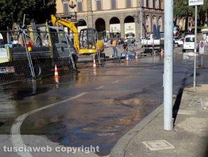 Viterbo - acqua a piazza della Rocca