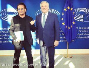 Bruxelles - Antonio Tajani con Bono Vox