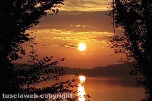 Ronciglione - L'alba sul lago di Vico