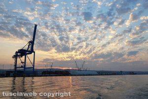 Civitavecchia - L'alba al porto