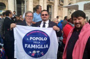 Roma - Una delegazione viterbese del Popolo della famiglia dal papa