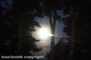 Viterbo - La luna piena vista dalla Cimina