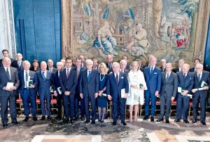 Il presidente della Repubblica Sergio Mattarella con i cavalieri del lavoro 2018