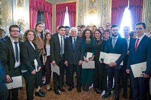 Il presidente della Repubblica Sergio Mattarella con gli alfieri del lavoro 2018