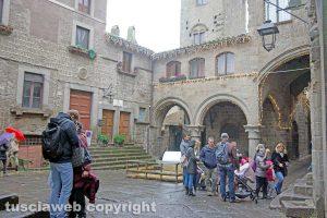 Viterbo - Turisti a San Pellegrino