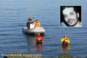 Montefiascone - Lago di Bolsena - Le ricerche del disperso - Nel riquadro Andrea Durantini