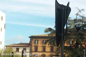 Viterbo - Il cartello stradale a piazza della Rocca