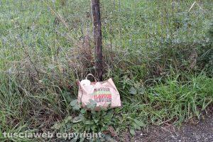 Viterbo - Un sacchetto di rifiuti