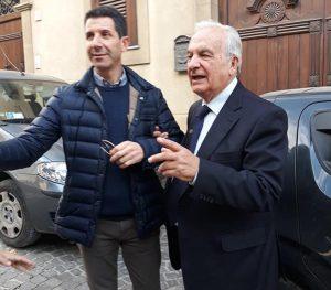 A destra, Nicolò Nicolosi