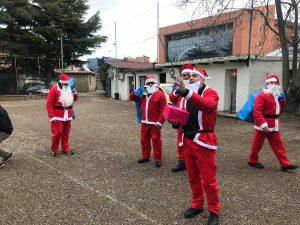 Viterbikers vestiti da Babbo Natale all'Associazione Murialdo