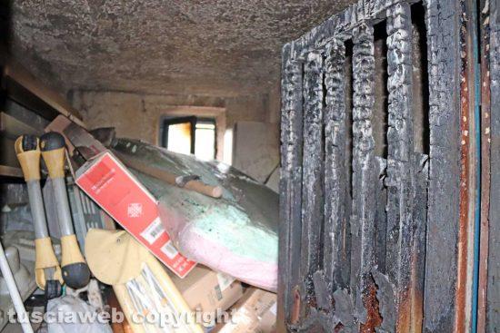 Viterbo - Incendio in una palazzina al Carmine