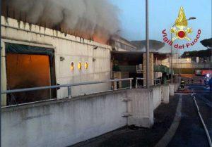 Roma - L'incendio all'impianto rifiuti sulla Salaria