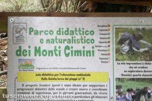 """Viterbo - Il cartello """"Parco didattico e naturalistico dei Monti Cimini"""""""