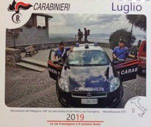 Montefiascone - La foto del monumento al pellegrino nel calendario da tavolo dei carabinieri