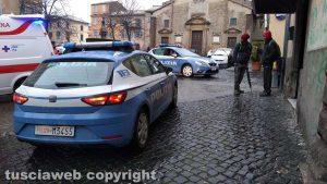 Viterbo - Polizia e ambulanza a San Faustino