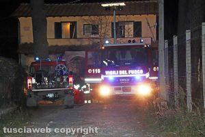 Viterbo - casa in fiamme in strada Ciavalletta