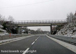 Maltempo - Neve sulla statale 675