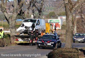 Viterbo - L'incidente sulla Cassia Nord - Carabinieri sul posto