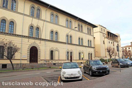Viterbo - La caserma Giulioli e la Rocca Albornoz