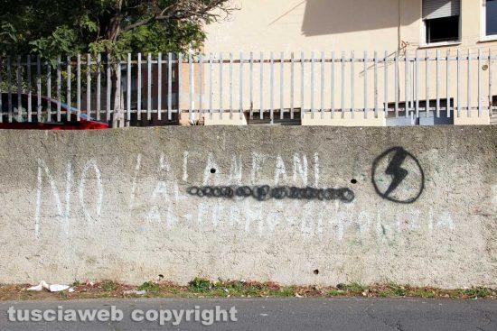 Viterbo - Scritte sui muri del Pilastro