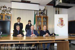 Viterbo - Paolo Volta dell'Anticrimine, il questore Massimo Macera e il dirigente della Digos Fabio Zampaglione