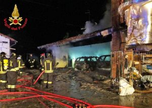 Trivignano Udinese- L'incendio dell'autorimessa