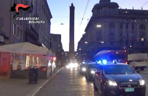 Bologna - L'operazione dei carabinieri