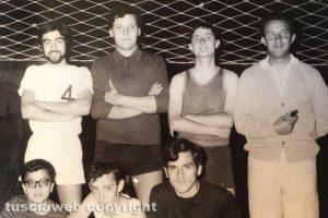 Giocatori di pallavolo nella casa del catechismo di San Leonardo
