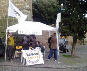 Tuscania - Un gazebo del movimento cinque stelle