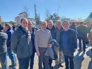Francesco Battistoni con i pastori della Tuscia