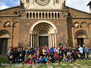 Foto di gruppo a Tuscania con Anna Rita Properzi