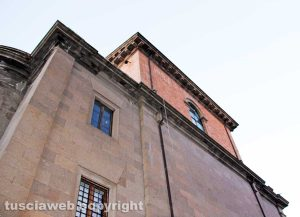 Viterbo - Il tetto della chiesa di San Lazzaro
