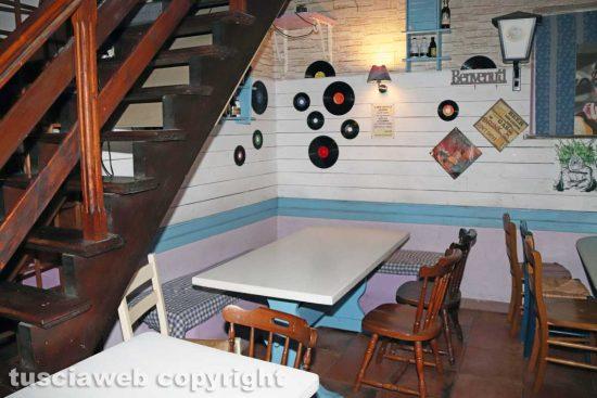 Ronciglione - Il pub Il Castello - Il tavolo dove Maria Sestina Arcuri e Andrea Landolfi hanno trascorso l'ultima serata