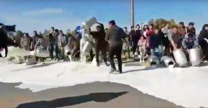 La protesta del latte dei pastori